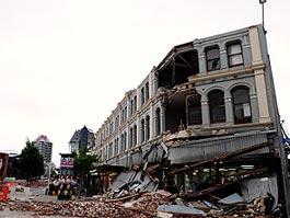Серия землетрясений разрушила город в Новой Зеландии