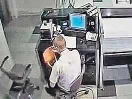 Сотрудники «Домодедово» потрошат багаж и обворовывают пассажиров
