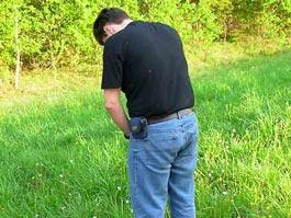 В США осушили пруд из-за справившего в него нужду мужчины