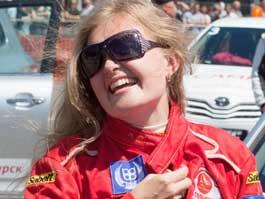 Известная ижевская автогонщица на собственные деньги покоряет чемпионат России по шоссейно-кольцевым гонкам
