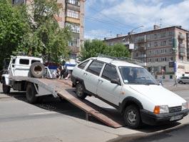 С центральных улиц Ижевска начали эвакуировать машины