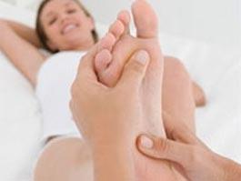 Французский министр домогался женщин под предлогом массажа ног