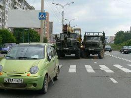 В Ижевске на улице Чугуевского столкнулись 2 грузовика и Matiz