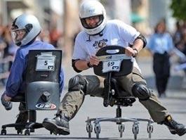 На Камчатке прошли гонки на офисных креслах