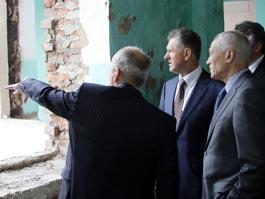 Григорий Рапота и президент Удмуртии проверили, как восстанавливается пострадавшее от взрывов село Пугачево