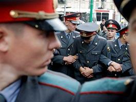 В 2012 году минимальная зарплата полицейского составит 45 тысяч рублей