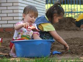 Сотрудникам детских садов в Ижевске повысили зарплату