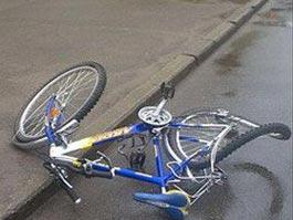 В Ижевске «шестерка» зацепила двух велосипедистов
