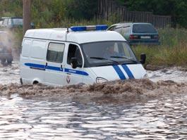 Сильный ливень в Ижевске: в логу на Холмогорова