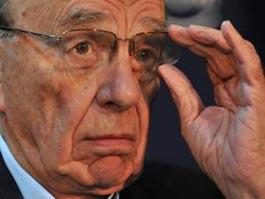 В миллиардера Руперта Мердока бросили тарелку с пеной для бритья