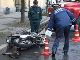 В Ижевске бронированная машина подрезала мотоциклиста