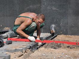 Продолжается ремонт территории Администрации Ижевска