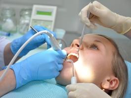 Японцы научились выращивать искусственные зубы