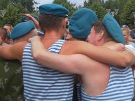 Подвыпившие десантники попытались перекрыть ул. Удмуртскую в Ижевске