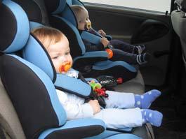 Инспекторы ГИБДД отучали водителей Ижевска от опасной перевозки детей