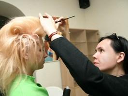 Американские учёные заблокировали седину волос