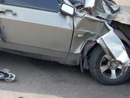В Удмуртии при столкновении легковушки и КАМАЗа пострадали 4 человека