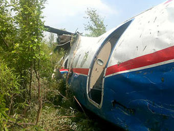 В Благовещенске из-за плохой погоды развалился самолет Ан-24
