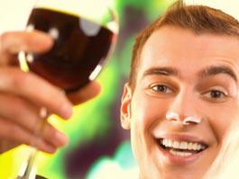 Трудоголики часто становятся алкоголиками