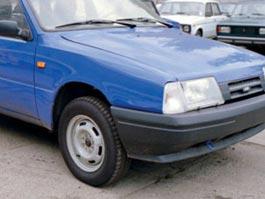 В Ижевске из перевернутого автомобиля достали 4-летнюю девочку
