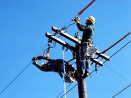В Удмуртии высоковольтную линию протянули по жилым участкам