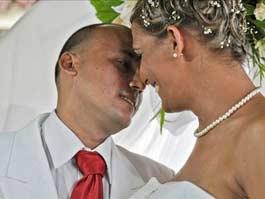 В честь юбилея Фиделя Кастро на Кубе состоялась первая гей-свадьба