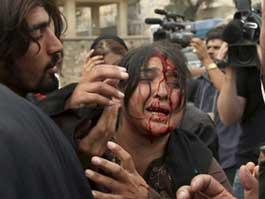 В Пакистане во время молитвы взорвали мечеть
