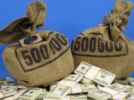 Безработный американец нашел в кустах мешки с долларами