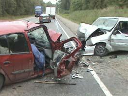 Под Ижевском в «лобовую» сошлись ВАЗ и Renault: двое погибли