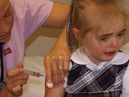 На складе в Ижевске обнаружены 10 коробок с просроченными прививками