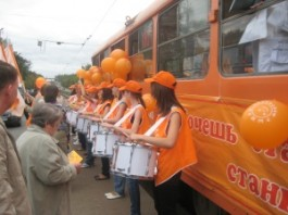 В Ижевске появился рыжий трамвай
