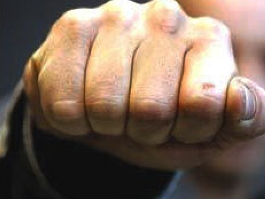 В Удмуртии участковый жестоко избил мужчину