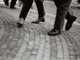 В Москве чиновники пришли на работу пешком