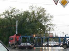 ДТП на перекрестке Кирова и Удмуртской: автовоз перекрыл движение