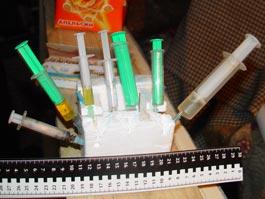 Ижевчан просят сообщать о притонах, где употребляют наркотики