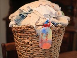 Изворотливая ижевчанка спряталась от судебных приставов в корзине с грязным бельем