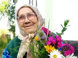 Ижевчане поздравляют бабушек и дедушек