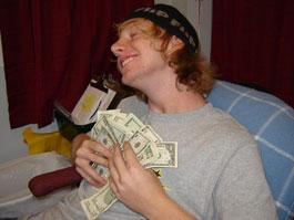 Ученые посчитали, сколько денег нужно для счастья