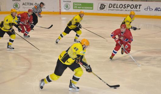 Ижевские болельщики устроили прощальное шоу для хоккеистов «Ижстали»