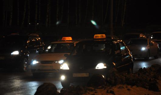 Ижевские таксисты требуют повышения тарифов