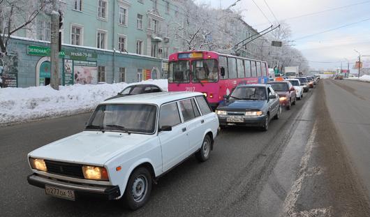 В Ижевске на улице Удмуртская появились новые места для разворотов