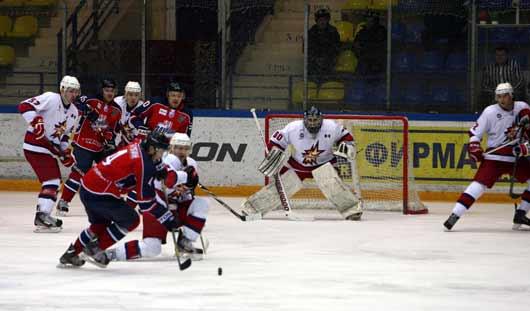 Очередной победой порадовали своих болельщиков хоккеисты Ижевска