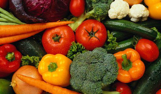 Овощи и фрукты помогут приобрести легкий загар