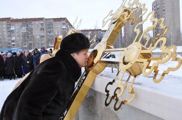 В Ижевске освятили кресты для храма Иверской иконы Божией Матери