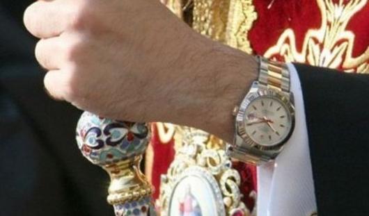 Болгарский митрополит отдал золотые часы Rolex  на погашение долгов церкви