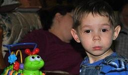 Погибший в приемной американской семье ребенок мог сам себе нанести смертельную травму