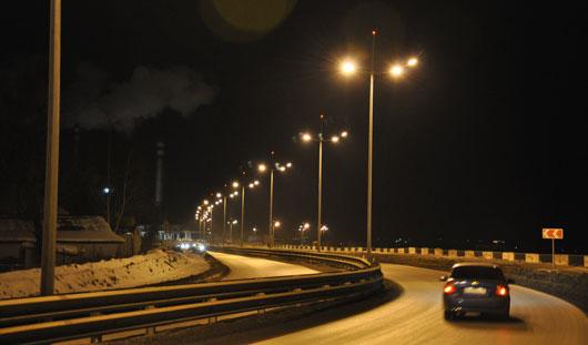 Дурацкий вопрос: почему в Ижевске, в районе Металлург ровно в час ночи отключаются фонари?