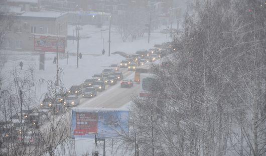 Ухудшение погоды в Ижевске: горожан просят не садиться за руль