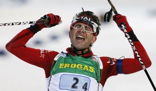Норвежские биатлонисты отметили завершение сезона стриптизом