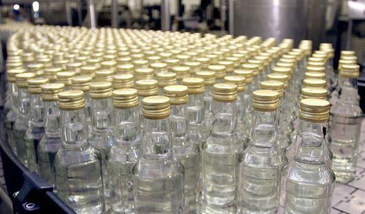 Россияне стали меньше покупать водку